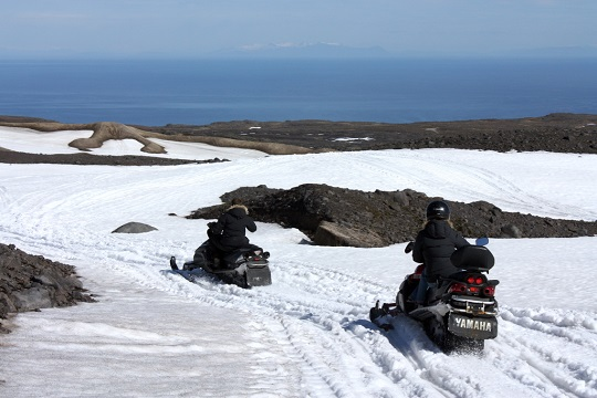 Adventurous plans for Iceland - driving a snowmobile